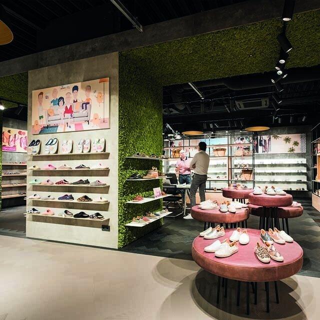 640-showroom2.jpg